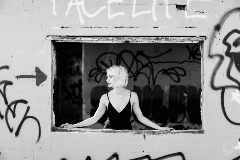 katrin-albert-photography-jennie-vee-say-goodbye-1